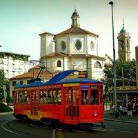 Необычный трамвай в обычном городе :: Ирина Falcone