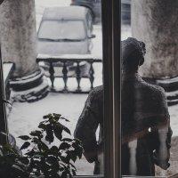 man behind a window :: Марк Додонов