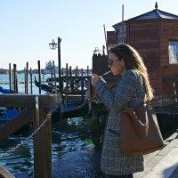 Закат-Венеция-девушка-сигарета... :: Valeriy(Валерий) Сергиенко