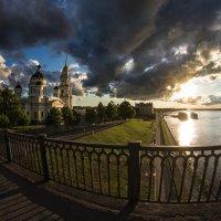 на мосту :: Николай Буклинский