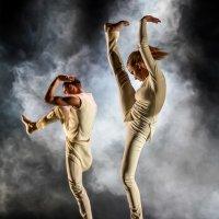 танец :: Виктор Николаев