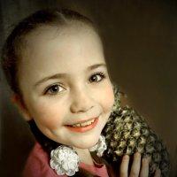 Девочка с ананасом :: Валерий Талашов