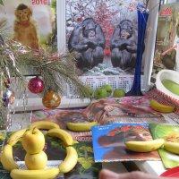 Банановая улыбка обезьян накануне 8-го Марта :: Алекс Аро Аро