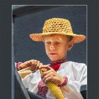 Мальчик с початком кукурузы :: Владимир Дядьков