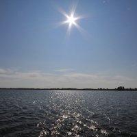 Солнце над водохранилищем :: Сергей Тагиров