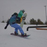 Девушки сноубордистки летят! :: Михаил Поскотинов