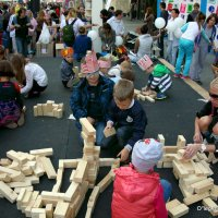 а детки заняты и прямо на улице :: Олег Лукьянов
