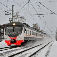 Электропоезд ЭД4М-0476 :: Денис Змеев