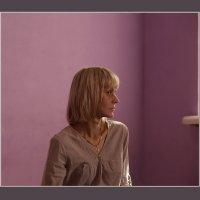 Портрет на фиолетовом фоне. :: Алексей Хвастунов