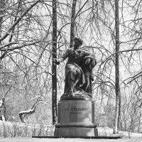 Памятник А.С.Пушкину. :: Ирина Нафаня