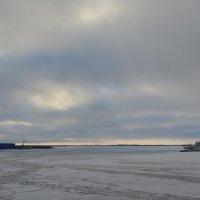 Архангельск на левом и правом берегах Северной Двины. :: Михаил Поскотинов