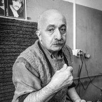 Мастер... :: Влад Никишин