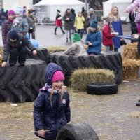 Девочка с колесом :: Никита Кобышев
