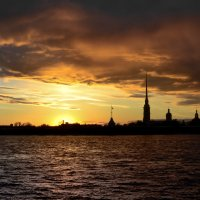 Закат над Петропавловской :: Владимир Дарымов
