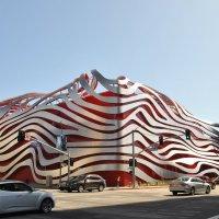 Здание музея автомобилей :: Николай Танаев