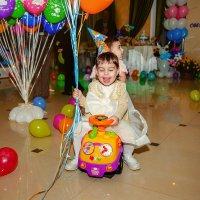 Мы на день рождении :) :: Кристина Беляева