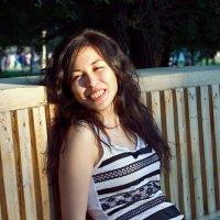 Девушка в парке :: Елена Кузнецова