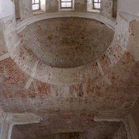 заброшенный храм, интерьер :: Vik Fox