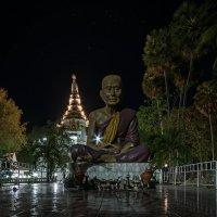 Ночь в храме :: Олег Фролов
