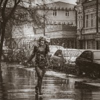 Бегущая от дождя :: Сергей Шруба