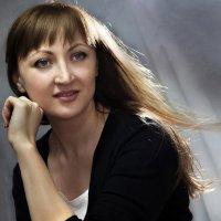 девушка с развевающимися волосами :: Светлана Ясевич