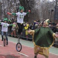 Св. Патрик в сопровождении моноциклистов. :: Яков Реймер