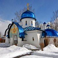 Рождественская церковь :: Леонид Иванчук