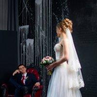 Оценивает невесту :: Ванда Азарова