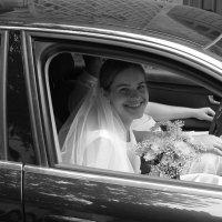 невеста приехала :: Михаил Зобов