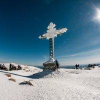 Крест на горе Курган, Шерегеш :: Александр Решетников