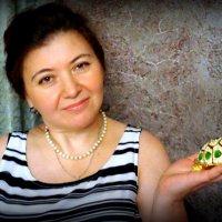 Дама с черепашкой :: Артем Павлов
