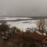 Снегопад на реке :: Андрей ЕВСЕЕВ
