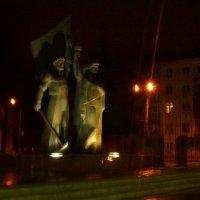 Ночные статуи :: Ihva