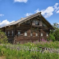 Старый дом. :: владимир