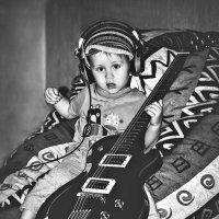 Тот же музыкант, 2,5года назад)) :: Ксения Базарова