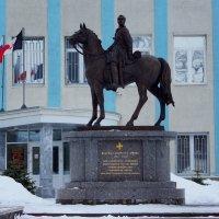 Памятник Н. Дуровой. :: Алексей Golovchenko
