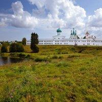 Вид на Троицкий  комплекс монастыря :: Елена Павлова (Смолова)