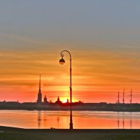 мартовский закат на Неве :: Елена