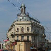 Дом - корабль  в  Черновцах :: Андрей  Васильевич Коляскин
