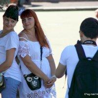 подружки озорницы или фото на память :: Олег Лукьянов
