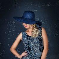 В шляпе :: Анна Лобанова