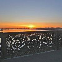 Закат с Литейного моста,24 марта :: Елена