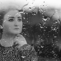 Девушка у окна :: Ольга