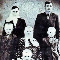 Семья. 1940 год :: Нина Корешкова