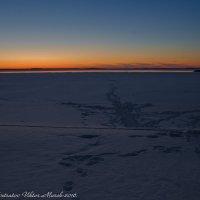 Весенний закат над водохранилищем. :: Виктор Евстратов