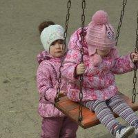 Детская весна :: юрий Амосов