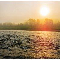 Восход на реке :: Сергей Бурнышев