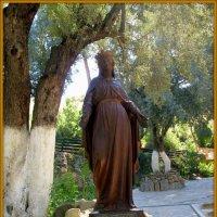 Статуя девы Марии на соловьиной горе :: Андрей Заломленков