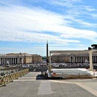 Площадь Святого Петра является центральной частью Ватикана. :: Михаил Столяров