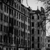 руины красного треугольника :: Владислав Попов